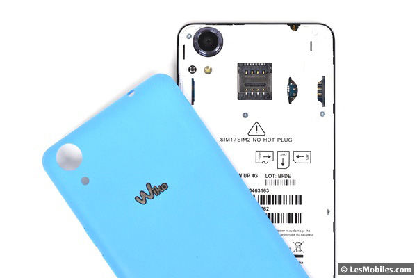 Wiko Rainbow Up : emplacements SIM et microSD