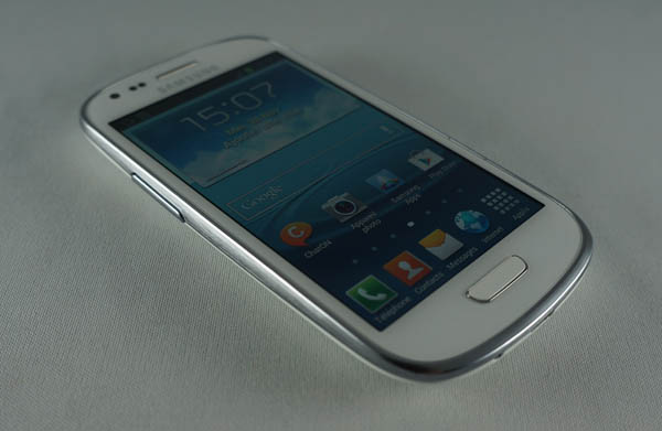 Samsung Galaxy S3 mini : face avant