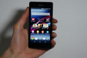 Test du Sony Xperia Z1 Compact : le Z1 version mini, sans concession !