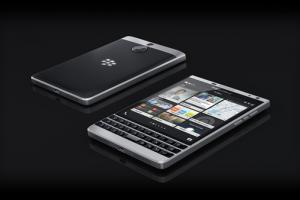 Le BlackBerry Passport Silver Edition arrive chez colette