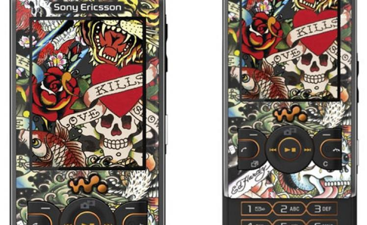 Sony Ericsson W595 version Ed Hardy